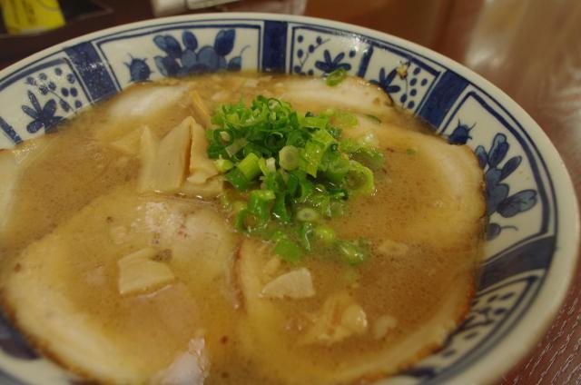 6伝々 チャーシュー麺