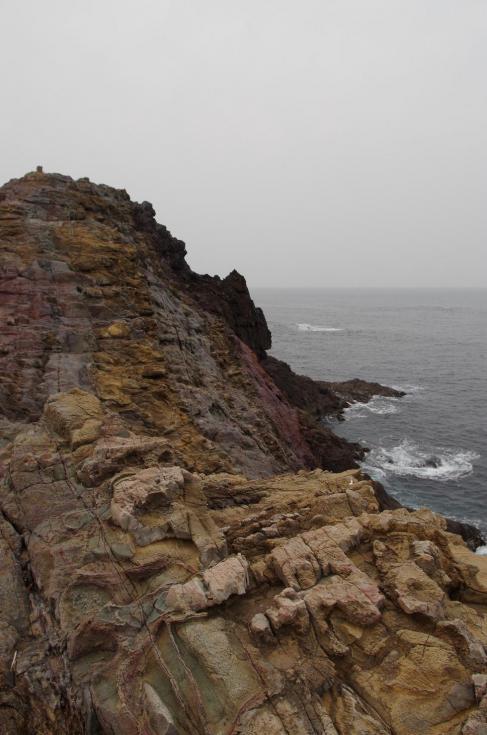 17奇形の岩岩
