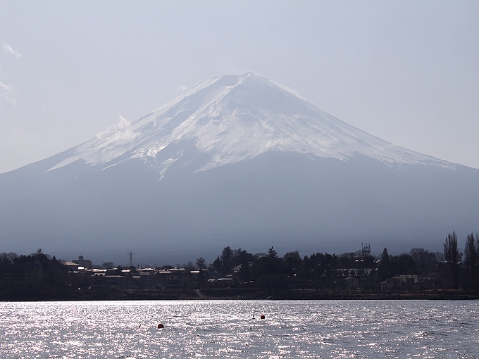 逆光の富士山(2012年12月)