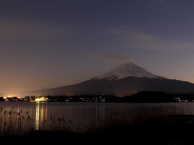 夕暮れの富士山 河口湖畔より(2012年12月)