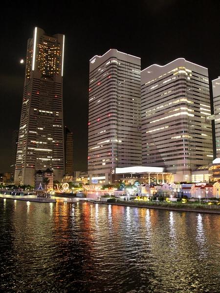 横浜みなとみらい 国際橋からの夜景