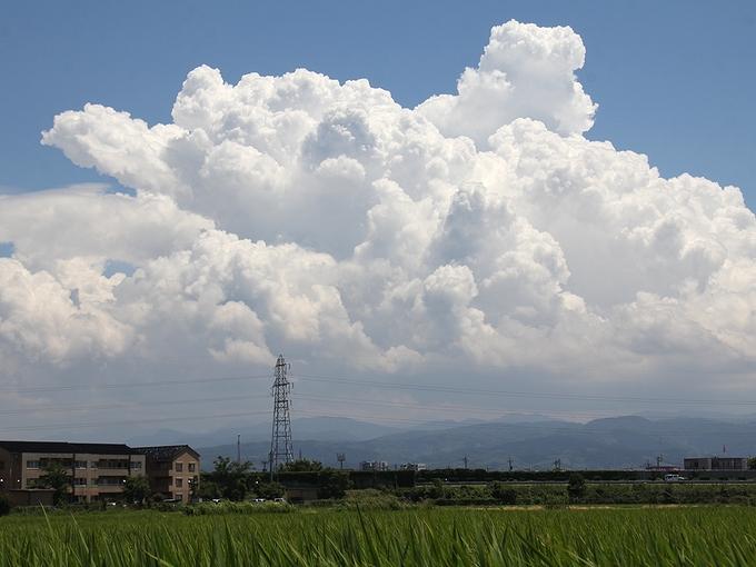 白山方面の入道雲