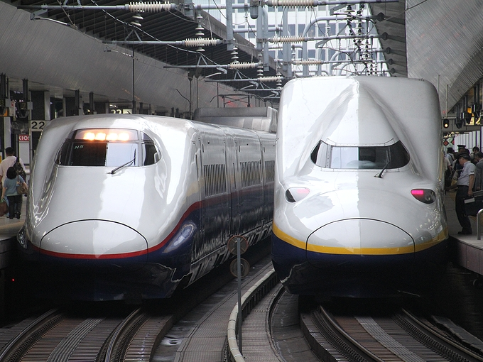 あさまとMaxとき 早朝の東京駅