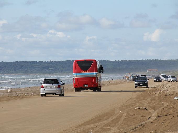 なぎさドライブウェイ バスも走る