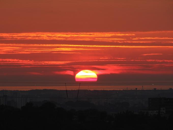 夏の夕日 金沢市太陽が丘より