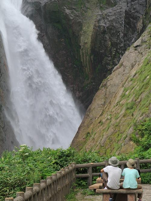 夏の称名滝