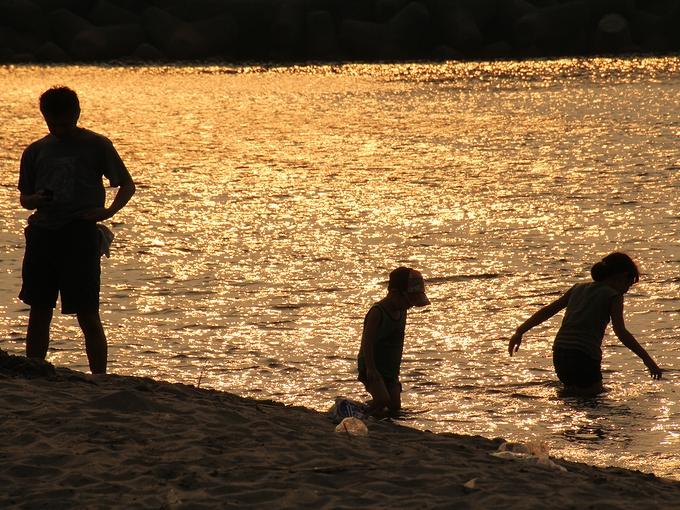 夕方の岩瀬浜で 富山市