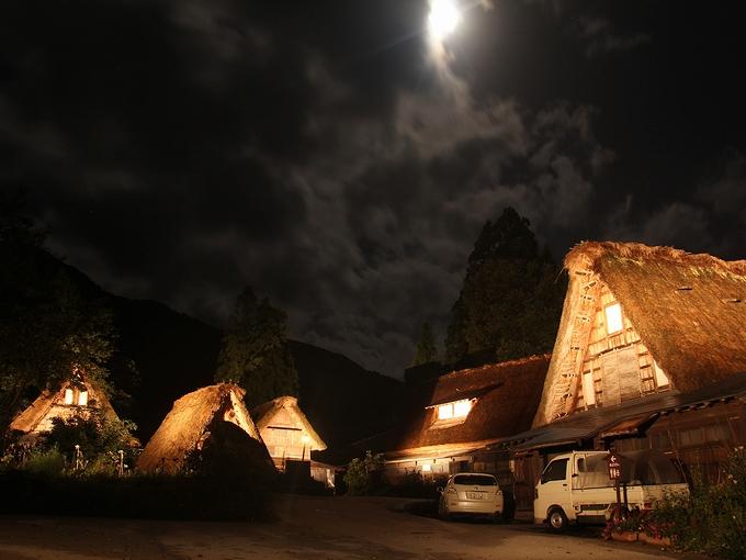 月が照らす合掌集落 五箇山・相倉