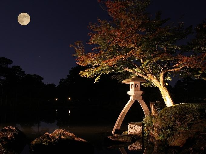 中秋の名月と兼六園