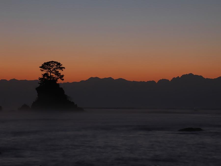 朝焼け 剱岳のシルエット