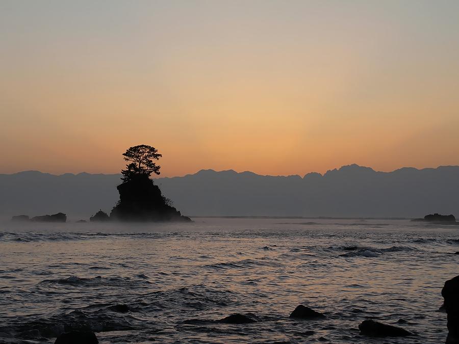立山連峰からの日の出前