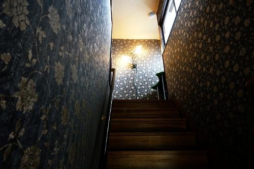桜下亭 階段