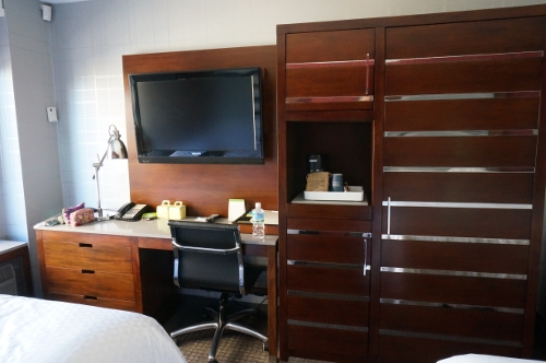 Four Points by Sheraton Manhattan Chelsea desk