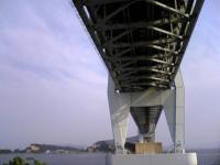 岩黒島から見上げた瀬戸大橋4