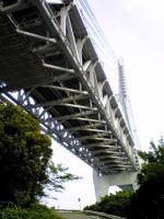 岩黒島から見上げた瀬戸大橋3