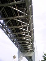 岩黒島から見上げた瀬戸大橋1