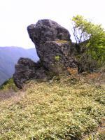 塔ノ丸登山道の奇岩の風景5