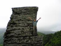 徳島県石堂山御塔石でバンザイ2