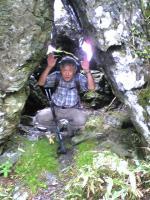石堂山大工小屋石でバンザイ1