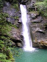トトロの滝でバンザイ2