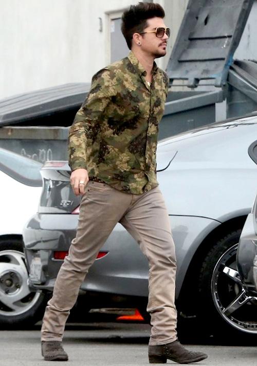 アダム・ランバート(Adam Lambert):アレキサンダーマックイーン(Alexander McQueen)/プレミアータ(PREMIATA)/ディー タ(DITA)