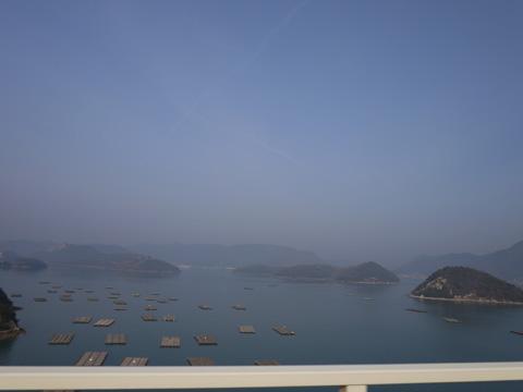 ブルーラインの橋の上☆海が綺麗