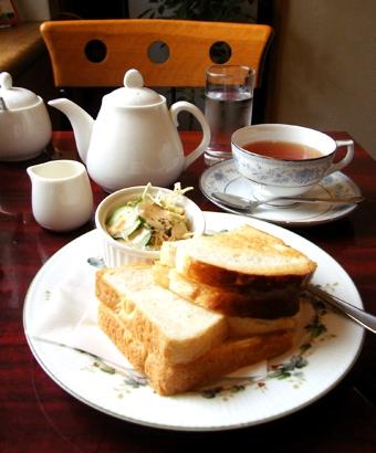 『コーヒーショップLARGO(ラルゴ)』のチーズ・グリル・サンド