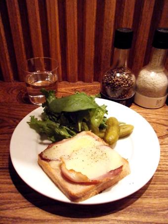 『カフェ マメヒコ』のトースト