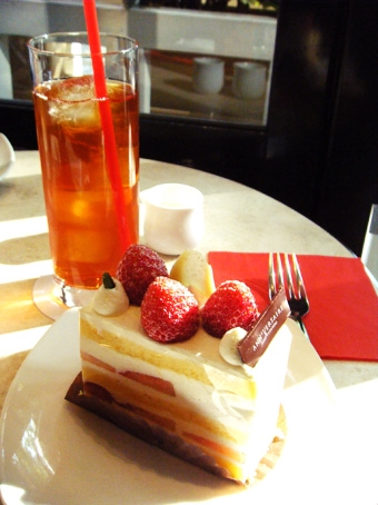 『アニヴェルセル カフェ』のアニヴェルセル ショートケーキ