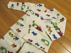 ボタン練習パジャマ