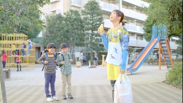2代目【GTO】神崎麗美(本田翼)C1000第2弾「コンビニ」篇、子供に笑われる神崎