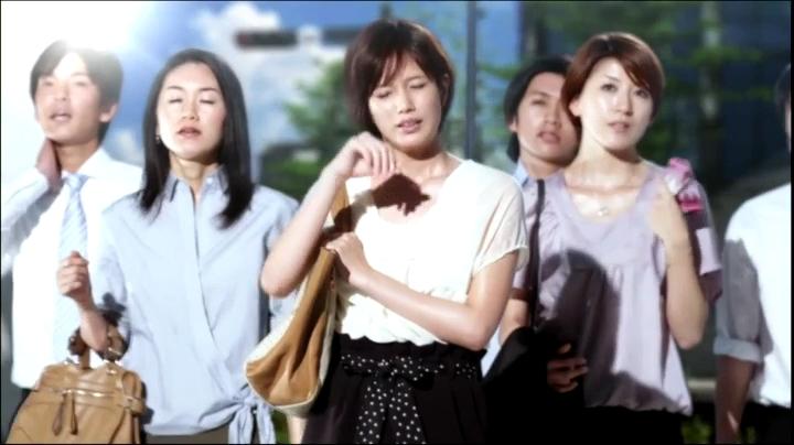 2代目【GTO】神崎麗美(本田翼)ビオレCM(通勤篇)に登場!「暑い!…」と汗を拭う神崎