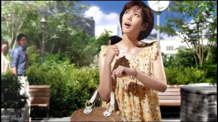 2代目【GTO】神崎麗美(本田翼)ビオレCM(休日篇)に登場!「暑い!…」と汗を拭う神崎