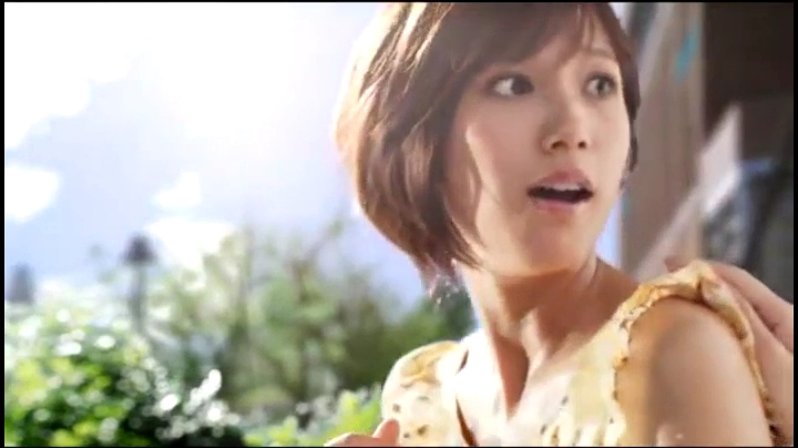 2代目【GTO】神崎麗美(本田翼)ビオレCM(休日篇)に登場!「お待たせ!」後ろの声に反応する神崎
