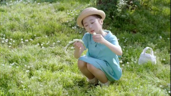 【家政婦のミタ】希衣(本田望結)ちゃん、ハミングCM第3弾に登場!花を摘む希衣ちゃん