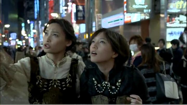 2代目【GTO】神崎麗美(本田翼)【ヴァンパイア】に登場!繁華街をキョロキョロする神崎