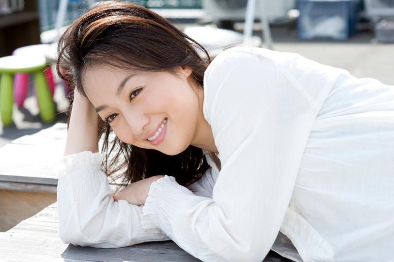 【メビウス】えっ?ミサキ女史(石川紗彩)が脱いだ?!笑顔が眩しい?2