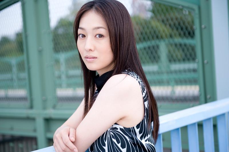 【メビウス】えっ?ミサキ女史(石川紗彩)が脱いだ?!クールなミサキ女史?1