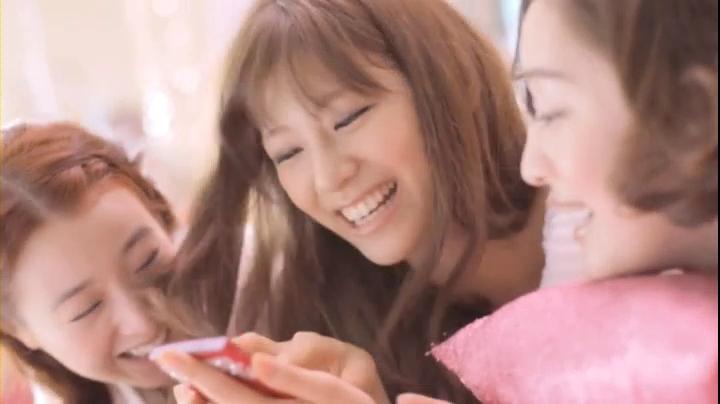 2代目【GTO】葛城美姫(西内まりや)ヴィートCMに登場、ベットの上で3人で戯れる美姫
