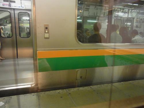 130826-007窓の外は電車(S)