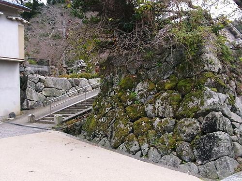 秋山城何とか門