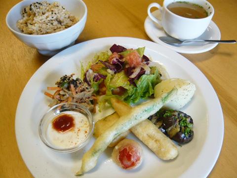 lunch_1206.jpg