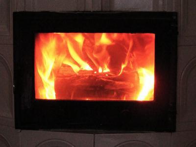 ストーブ 炎 暖炉