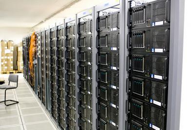 サーバー コンピューター 部屋