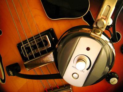 楽器 ヘッドホン 弦