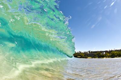 クリア 明瞭 透き通った 波 水 そら 自然
