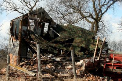 廃虚 建物 崩れる 風景