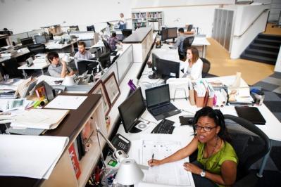 オフィス イヤホン労働環境