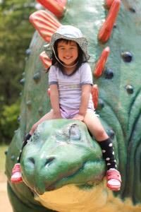 恐竜とながーい滑り台1