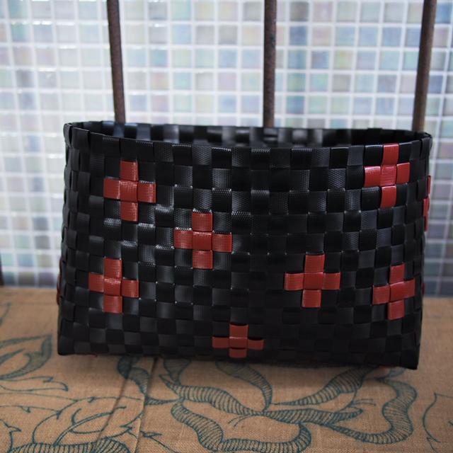 プラかごのカスタマイズ、黒と濃赤
